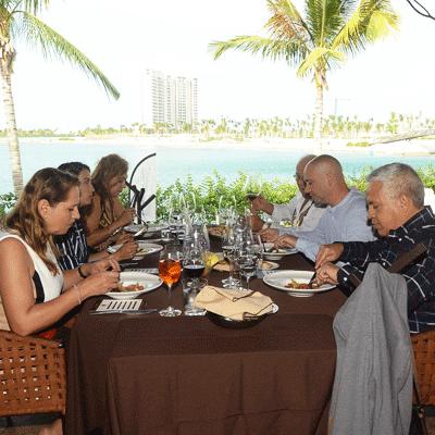 cenacolo-puerto-cancun-restaurante-reservandonos