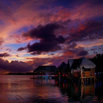 Thai Cancún Reservas reservandonos App