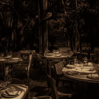 garantiza tu lugar en el restaurante ilios
