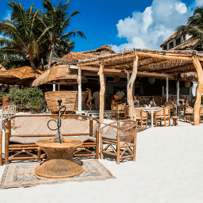 Roc Luxe Beach club Tulum Reservandonos.com